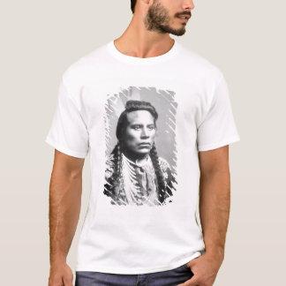Camiseta Curley, do tribo do corvo, um dos escuteiros de