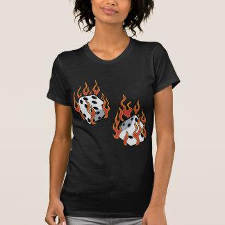 Camiseta Dados flamejantes