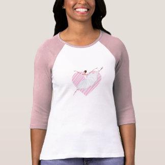 Camiseta Dança bonito da bailarina em um backgroun listrado