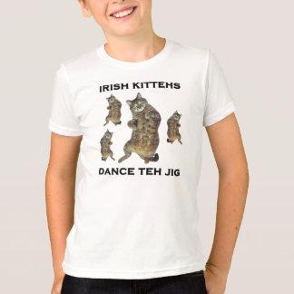 Camiseta Dança de Kittehs do irlandês o gabarito