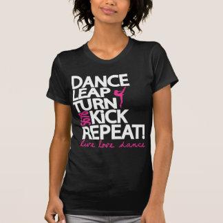 Camiseta Dançarino da repetição do pontapé da volta do pulo