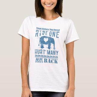 Camiseta Dano do elefante do passeio um muitos
