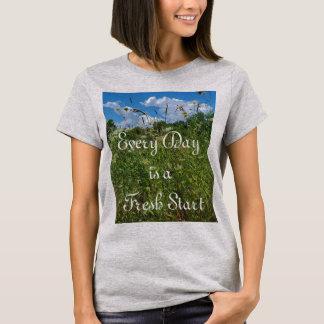 Camiseta Das mulheres inspiradas das citações do novo