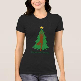 """Camiseta De """"Tshirt da pose da árvore Natal"""""""