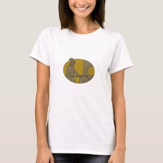 Camiseta Desenho oval do forno de madeira medieval da casca