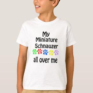 Camiseta Design das caminhadas do Schnauzer diminuto