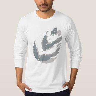 Camiseta Design feito sob encomenda das penas de Jay Niani