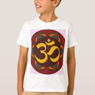 Camiseta Design interno da paz do símbolo retro do OM!