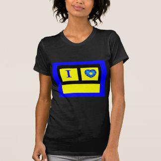 Camiseta Design por Debra Petaid911