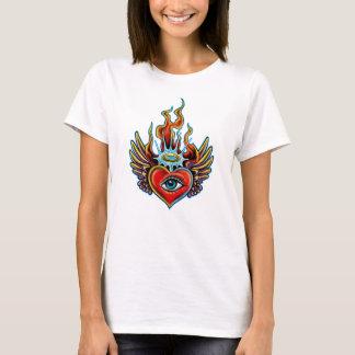 Camiseta Design voado olho de observação do halo do coração