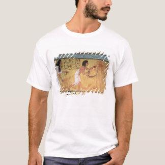 Camiseta Detalhe de uma cena da colheita na parede do leste