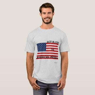 Camiseta Deus abençoe a imprensa americana - bandeira