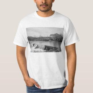 Camiseta Dia de primavera no Grayscale do moinho de Ozark