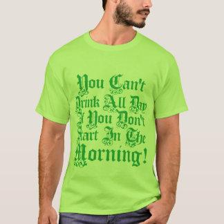 Camiseta Dia de São Patrício irlandês que bebe o humor