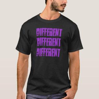 Camiseta diferente das palavras