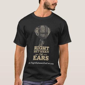Camiseta Direito entre o t-shirt dos homens das orelhas