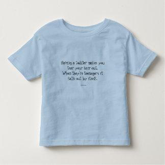Camiseta do bebê com citações engraçadas