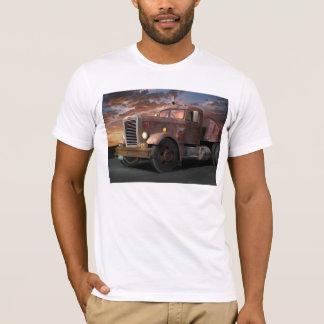 Camiseta do caminhão do duelo
