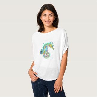 Camiseta do cavalo marinho do arco-íris