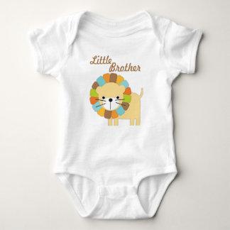 Camiseta do leão do irmão mais novo