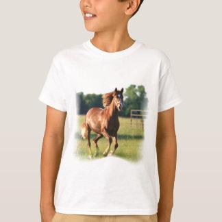 Camiseta Do miúdo de galope do cavalo da castanha o t-shirt