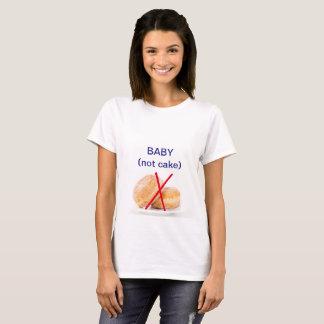 """Camiseta Do """"t-shirt da gravidez não do bolo bebê"""" de"""