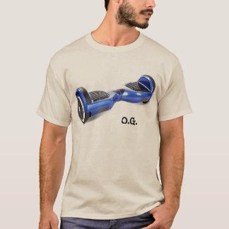 Camiseta dois t de equilíbrio do patinete do auto da roda