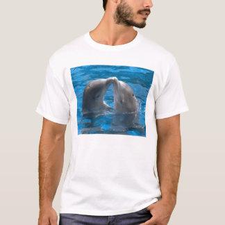 Camiseta Dolphin-kiss-Poster-C12152485