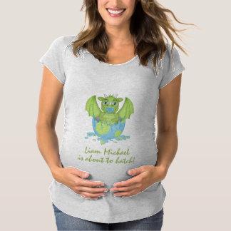 Camiseta Dragão do bebê aproximadamente ao portal