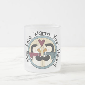 Camiseta e presentes do feriado do amor do pinguim caneca de café vidro jateado