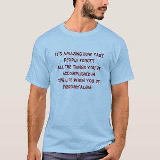 Camiseta É surpreendente como rapidamente pessoas de