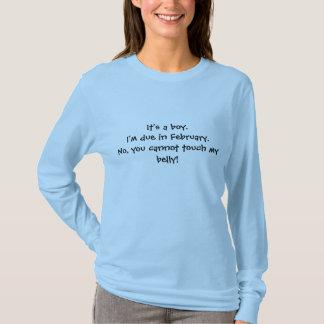 Camiseta É um menino. Eu sou devido em fevereiro. Não, você