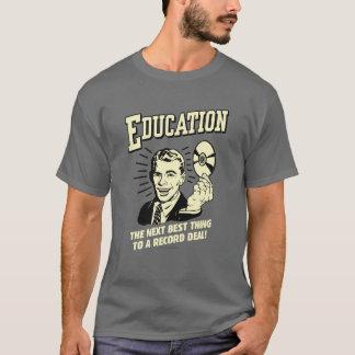 Camiseta Educação: O melhor negócio do registro da coisa