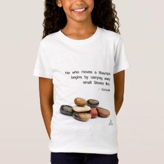 """Camiseta """"Ele que move uma montanha… """"- Confucius"""