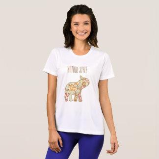 Camiseta Elefante do estilo da natureza com tronco acima