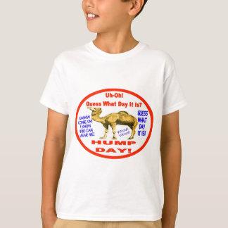 Camiseta Emblema popular do camelo do dia de corcunda