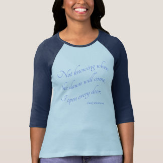 Camiseta Emily Dickinson - eu abro cada t-shirt do azul da
