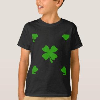 Camiseta emoji do trevo dos patricks da rua