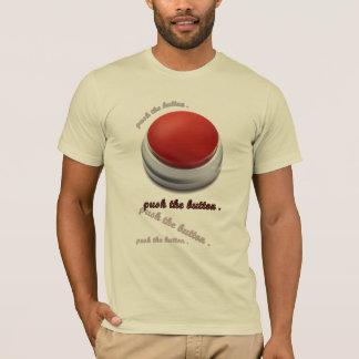 Camiseta empurre o botão