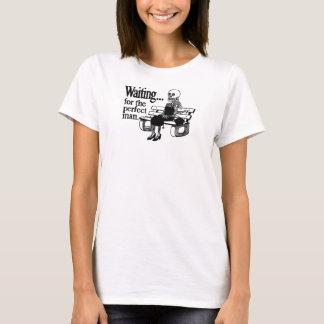 Camiseta Engraçado esperando o tanque perfeito dos