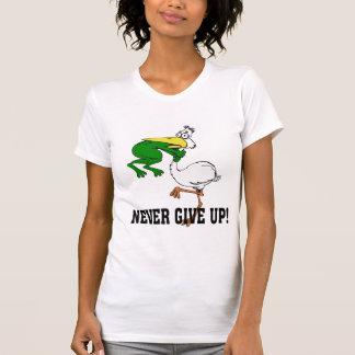 Camiseta Engraçado nunca dê acima o pelicano e o sapo
