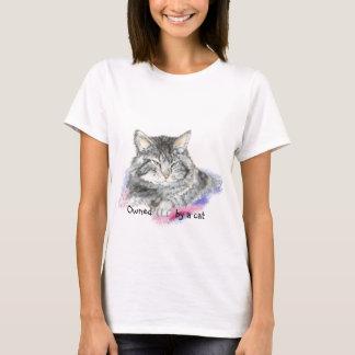 Camiseta Engraçado possuído por um gato com gato da
