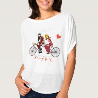 Camiseta Equitação Loving do casal em uma bicicleta