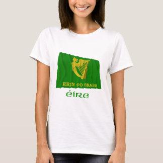 Camiseta Erin vai bandeira de ondulação de Bragh com nome
