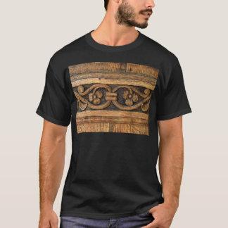Camiseta escultura de madeira do painel