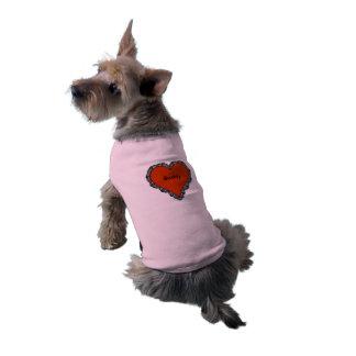 Camiseta Escuro - coração vermelho cercado pelo monograma