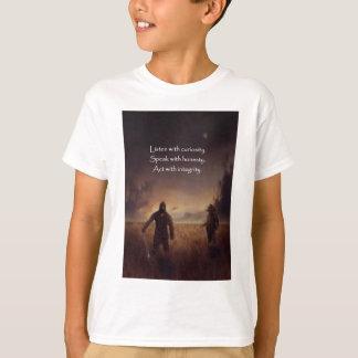 Camiseta Escute com curiosidade falam com o ato da