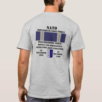 Camiseta Esforço da junção da operação