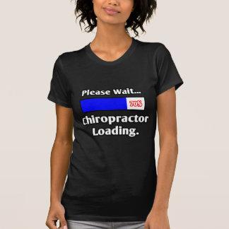 Camiseta Espere por favor… a carga do Chiropractor