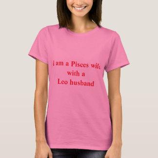 Camiseta Esposa dos peixes com um marido de Leo